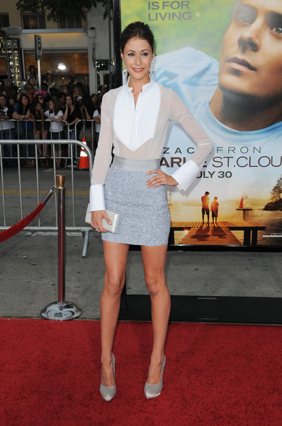 Amanda Crew Hot Style Pictures Charlie St Cloud Premiere Red Carpet Photos And Pics Celebrity Breaking News